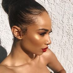 Glowy Foundation Look Red Bold Lip Color Flawless Makeup Red Lips Makeup Look, Brown Skin Makeup, Glowy Makeup, Kiss Makeup, Flawless Makeup, Beauty Makeup, Hair Makeup, Flawless Face, Sunkissed Skin