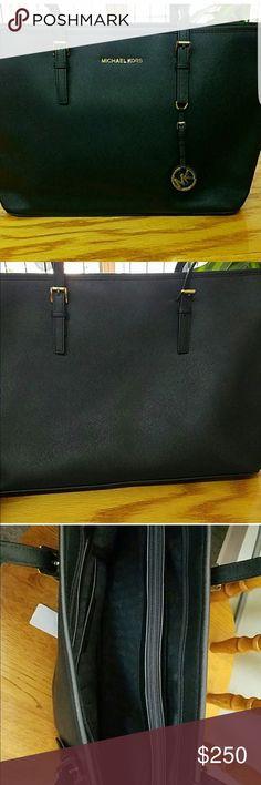 Authentic Michael Kors Purse Size 11.5 x 19 Michael Kors Bags Travel Bags