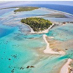 """@tahiti_mana -  The incredible @ninamu.resort .. """"Off the grid a paradise for water lovers a pristine atoll"""" ..Stop dreaming & start planning contact @tahiti_mana today! ================================ Follow my super-awesome friends @ms.luxuryworldtraveler  @luxefamilytravel  @weliketotravel =============================== #surf #sup #fish #sail #lagoon #tikehau #paradise #unspoilt #tropical #Regrann - #regrann"""
