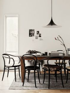 Bentwood chairs are a fantastic choice for your dining room. See our favorite options for shopping this classic Thonet chair. Room Design, Interior, Bentwood Chairs, Room Inspiration, House Interior, Dining Room Decor, Dining Room Inspiration, Scandinavian Dining Room, Interior Design