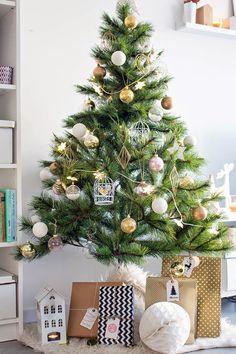 Disfruta de estas etiquetas de navidad totalmente gratuitas para decorar tus regalos. ¡No te lo pierdas!