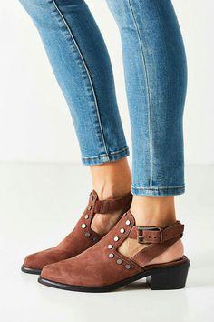 2923b9e142e6 55 Best Shoes images