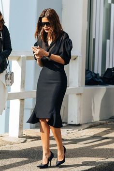 All black outfit / Street style fashion / fashion week week Fashion Mode, Work Fashion, Womens Fashion, Style Fashion, Fashion 2017, 90s Fashion, Fashion Brands, Classy Outfits, Chic Outfits