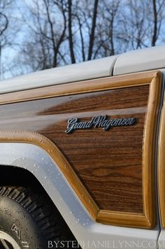 I really want this classic! 1990 Jeep Grand Wagoneer