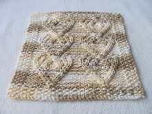 Cabled Heart Cloth  #free #knit #knitting #pattern #heart #freeknittingpattern