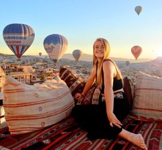 View from hotel rooftop, Explorer Cave Hotel in Go. View from hotel rooftop, Explorer Cave Hotel in Goreme, Cappadocia. Great Places, Places To See, Cave Hotel, Sunset Point, Visit Turkey, Before Sunrise, Turkey Travel, Cappadocia, Great View