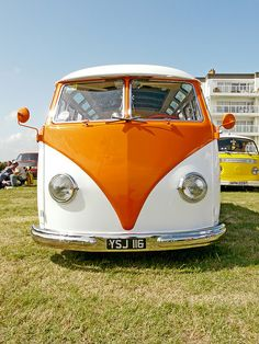 VW Bus Stop by Wil Wardle, via Flickr
