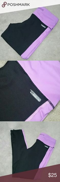 "Champion Performax Running Tights sz Small Excellent Condition from a smoke and pet free home  No signs of wear, holes, snags, piling etc... Interior band at waist, exterior waistband zipper pocket Climate control pants  Black with beautiful lilac accent Full length  88% nylon /12% spandex  Approx Measurements  Waist 13.25"" Rise 8.5"" Inseam 27"" Champion Pants Leggings"