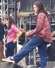 John Frusciante, Anthony Kiedis, Important People, Sexy Men, Mom Jeans, Husband, Lady, Hot, Chili