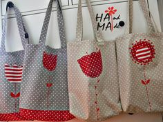 ♥ dílna hama ♥: na nákup zvesela my works - hama patchwork b Patchwork Bags, Quilted Bag, Pinterest Patchwork, Diy Bags Tutorial, Purse Tutorial, Fabric Bags, Kids Bags, Handmade Bags, Bag Making