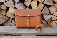 A Swiss Army leather messenger bag from made from caramel brown saddle leather in exceptional condition. Leather Laptop Bag, Saddle Leather, Leather Bags, Leather Men, Brown Leather, Caramel Brown, Waterproof Backpack, Swiss Army, Vintage Leather