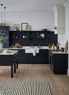 Home Interior Contemporary .Home Interior Contemporary Interior Desing, Home Interior, Kitchen Interior, Eclectic Kitchen, Scandinavian Kitchen, Modern Shaker Kitchen, Interior Ideas, Kitchen Black, Mansion Interior