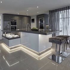 Luxury Kitchen Clean, sleek and stylish characterizes the modern kitchen. Cabinets in matt or gloss and mostly handless. A touch of wood or marble you can totally personalize it to your taste. Luxury Kitchen Design, Dream Home Design, Modern House Design, Interior Design Kitchen, Kitchen Designs, Contemporary Design, Apartment Interior Design, Interior Design Tips, Interior Doors