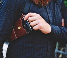The Phonster is a body holster where you can store your smart phone, wallet, or keys and look totally bad-ass as you take them out or put them away. Similar to how a detective holsters his guns, the P...