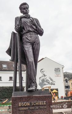 Tulln: Privatissimum mit Egon Schiele | Wiederunterwegs.com Museum, Buddha, Greek, Statue, Art, Literature, Culture, Travel, Tips