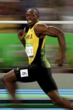 These hilarious memes of Usain Bolt's famous grinning face at the Olympics prove he truly is #TheFastestManInTheWorld.
