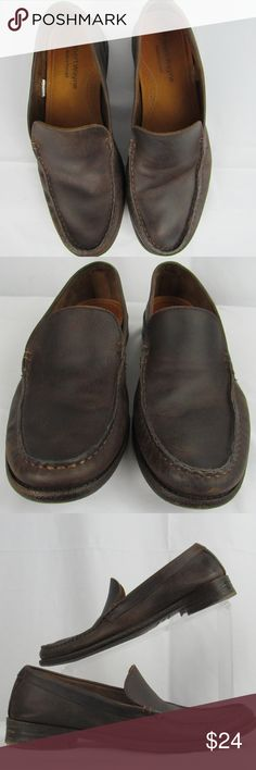 Robert Wayne casual brown loafer size 9D Made in Portugal Leather upper and insole; synthetic outsole. Good for comfortable casual wear. Plz note creasing where the foot bends; scratching/scuffing on the top of the left shoe and at the toes and heels. Please look through the pictures and zoom in to be comfortable with color and condition.  INV-A1-180020 Robert Wayne Shoes Loafers & Slip-Ons