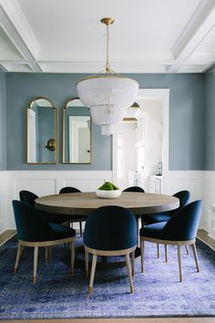 Get inspired by these dining room decor ideas! From dining room furniture ideas, dining room lighting inspirations and the best dining room decor inspirations, you'll find everything here! Dining Room Paint, Dining Room Blue, Dining Room Colors, Dining Room Lighting, Dining Room Design, Dining Room Furniture, Dining Chandelier, Blue Dining Room Chairs, Dining Decor