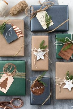 Holiday Gift Tags, Christmas Gift Wrapping, Diy Christmas Gifts, Christmas Decorations, Christmas Ideas, Christmas Holidays, Elegant Christmas, Christmas Packages, Diy Cadeau Noel