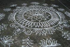 . Indian Rangoli Designs, Beautiful Rangoli Designs, Kolam Designs, Lotus Rangoli, Muggulu Design, Bridal Mehndi Designs, Simple Rangoli, Diwali, Krishna