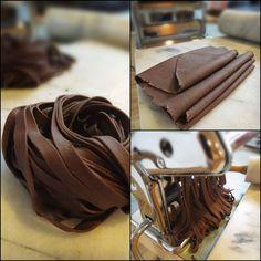 Whaaaat what 😳The Brooklyn Ragazza: Award-Winning, Chocolate Pasta ~ Pasta di Cacao Chocolate Pasta, Cacao Chocolate, Chocolate Recipes, Chocolate Dreams, Pasta Dinner Recipes, Dessert Recipes, Tagliatelle Pasta, Fresh Pasta, Homemade Pasta