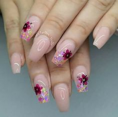 Opting for bright colours or intricate nail art isn't a must anymore. This year, nude nail designs are becoming a trend. Here are some nude nail designs. Fancy Nails, Trendy Nails, Pink Nails, Cute Nails, My Nails, Fabulous Nails, Gorgeous Nails, Acrylic Nail Designs, Nail Art Designs