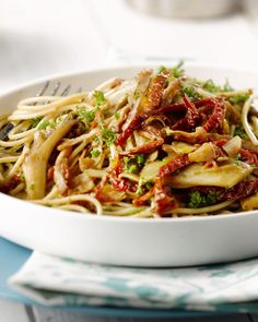 Lunch Restaurants, Hello Fresh Recipes, Pasta Noodles, My Favorite Food, Pasta Dishes, Soul Food, Pasta Recipes, Veggies, Yummy Food