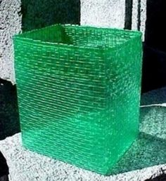 Cestos confeccionados con botellas de plásticos # Nuevamente traemos a nuestra mesa de trabajo, una propuesta linda, dinámica y que permite a la vez que se confecciona un objeto útil, contribuir con el medio ambiente, al reciclar botellas de plástico en desuso.  Para ... »