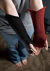 Crochet Gauntlet Style Fingerless Gloves free pattern.