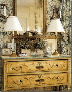 decorating ideas for your home using french toile de jouy wallpaper, fabrics and furniture « eclectic revisited by Maureen Bower on we heart it / visual bookmark Purple Home, French Decor, French Country Decorating, My French Country Home, French Style, Modern Country, Country Chic, Country Living, Decoration Inspiration