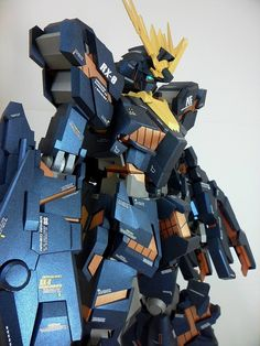 Amazing Papercraft 1 Meter tall: Unicorn Gundam Banshee Destroy Mode w/LEDs. Photoreview Big Size Images http://www.gunjap.net/site/?p=243553