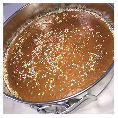 Eksi koekoe (surinaamse eiercake ) – Life of Audrina Mothers Day Brunch, Brunch Party, Bread Baking, Bread Recipes, Tiramisu, Cheesecake, Good Food, Food And Drink, Homemade