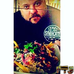 #TruckinGoodTime w/ @brightsidechef at @gilbert_food_court on #FridayNight! #TheFoodTruckSyndicate is REAL! Go to @thefoodtrucksyndicate to check out #StreetGear and represent your city! FTJ by foodtruckjunkie