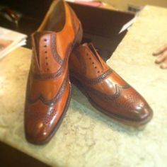 Tan color full brogue shoes for men with Goodyear welt construction made from finest Italian cow hide #barismil #saltoro #shoes #style #men #menstyle #menfashion #shoeporn #shoestyle #instashoes #instagood #instadaily #custommade #madetoorder #bespoke #bespokeshoes #etsy #etsyseller #luxury #eveningwear #menswear #brogues #leather