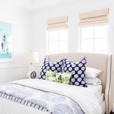 It's a big day filled with lots of eye candy on the blog...we're also sharing the full tour of this guest bedroom/bathroom! #smdpalisadesproject :@tessaneustadt