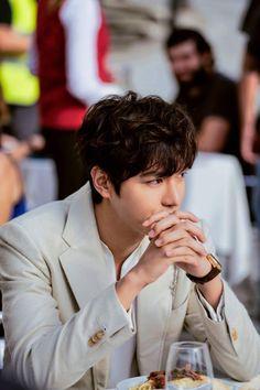 Lee Min Ho Facebook update, still from Legend of the Blue Sea, 20161025.