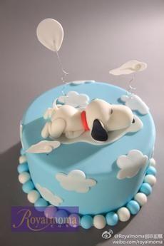 Snoopy Cake looks like our dog Sandy lol💖 Baby Snoopy, Snoopy Cake, Pretty Cakes, Cute Cakes, Bolo Snoop, Fondant Cakes, Cupcake Cakes, Snoopy Birthday, Novelty Cakes