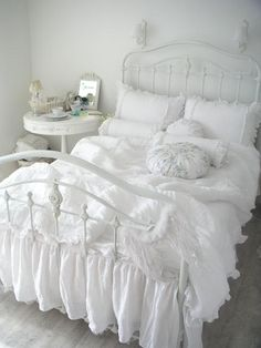 .Cottage ♥ White on White Bedroom