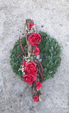 Homemade Christmas Wreaths, Grave Decorations, Memorial Flowers, Diy Wreath, Advent, Floral Wreath, Holiday Decor, Garland, Xmas