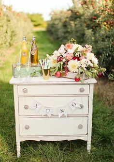 Apple Orchard Wedding Inspiration / Styling: Michaela Noelle Designs / Photo: Ashley Slater Photography