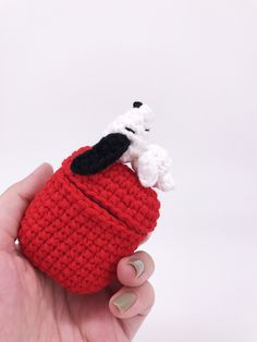 This Handmade Snoopy Airpods case is inspired by the classic drawing of Snoopy laying on top of his red doghouse. Knitted from pure cotton yarn and stitched with one transparent silicone case. Crochet Case, Cute Crochet, Knit Crochet, Crochet Amigurumi, Airpod Case, Yarn Crafts, Diy Crafts To Sell, Pattern Making, Crochet Projects