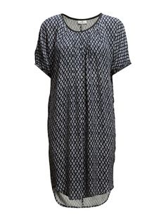 DAY - Day Winky- Centre back seam Patterned design Pleat details Elastic cuffs Loose fit Scoop neckline Straight cut Casual elegance Feminine Dark Winter, Casual Elegance, Straight Cut, My Wardrobe, Day Dresses, Pattern Design, Men Casual, Feminine, Shirt Dress