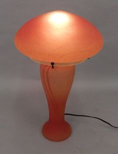 Art Nouveau amberina glass mushroom lamp : Lot 378