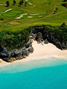 Wouldn't you rather be golfing on the edge of paradise? #Bermuda