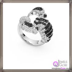 White gold ring with black and colourless diamonds