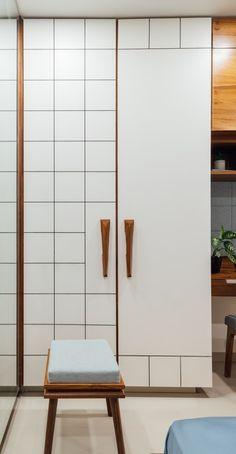 Zanzmera's Residence – Pavan Infratech Wardrobe Door Designs, Wardrobe Design Bedroom, Bedroom Bed Design, Bedroom Furniture Design, Wardrobe Doors, Home Room Design, Closet Designs, Home Interior Design, Modern Closet Doors