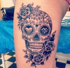 Cool Skull Tattoos For Women – My hair and beauty Skull Thigh Tattoos, Mexican Skull Tattoos, Sugar Skull Tattoos, Leg Tattoos, Body Art Tattoos, Girl Tattoos, Skull Candy Tattoo, Skull Tattoo Flowers, Mexican Skulls