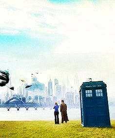 Tardis W/ Rose and the Doctor