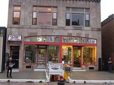 Myopic Books in Providence, RI is a charming used and rare book stores for satisfying and peaceful browsing. #Myopic_Books #Providence_RI #Bookstore  Photo by boliyou