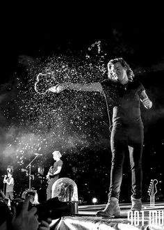 Harry Styles - Water (black and white Version)